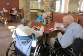 シニアの利用施設、ケアハウスと老人ホームはどう違う?