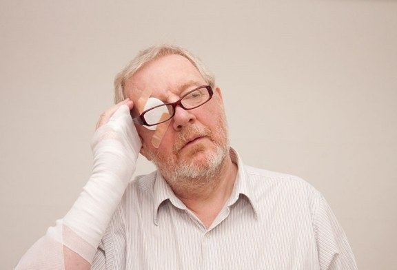 気をつけよう!冬に多い高齢者事故